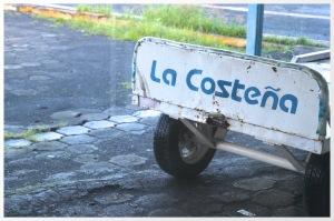 A La Costeña baggage cart