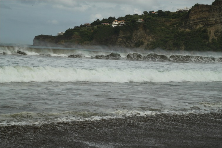 waves surf san juan del sur beach